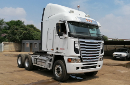 Freightliner, Argosy , 6x4 Drive, Truck Tractor, Used, 2012