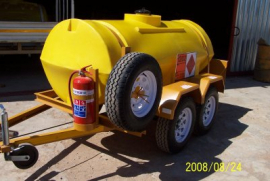 1500L Polly Diesel Tanker, 12v Electrical pump, Flow meter, water separator, Double axel trailer, Brake system, 14'' Wheels