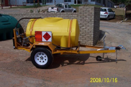 600L Polly Diesel Tanker, 12v Electrical or Hand pump, Flow meter, Water separator, Single axel trailer, No brakes, 14'' Wheels