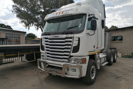 Freightliner, Argosy 12.7 Detroit, 6x4 Drive, Truck Tractor, Used, 2013