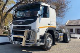 Volvo, FM 330, 4x2 Drive, Truck Tractor, Used, 2017