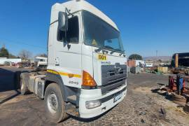 Hino, 700-2845, Double Diff, Truck Tractor, Used, 2014