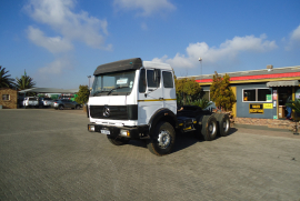 Mercedes Benz, 26.33 V Series ADE Motor, Double Diff, Truck Tractor, Used, 1988
