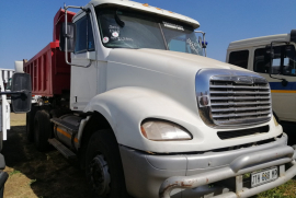 Freightliner, Columbia Cat C12 10 Cube, Double Diff, Tipper Truck, Used, 2008