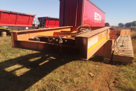 Martin, Front loading hydraulic removable gooseneck , Lowbed Trailer, Used, 2008
