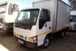 Isuzu, NHR 150 , 3,5 Ton, Closed Body Truck, Used, 2008