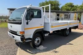 Nissan, UD40L, 4x2 Drive, Dropside Truck, Used, 2011
