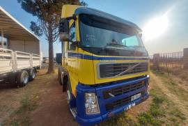 Volvo, Double Diff, Truck Tractor, Used, 2009