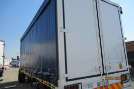 Nissan, UD 90, 6x2 Drive, Curtain Side Truck, Used, 2008